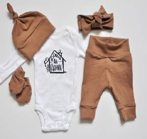 AVAIL QUALITY AND PERSONALIZED BABY GIRL HOME COMING OUTFIT